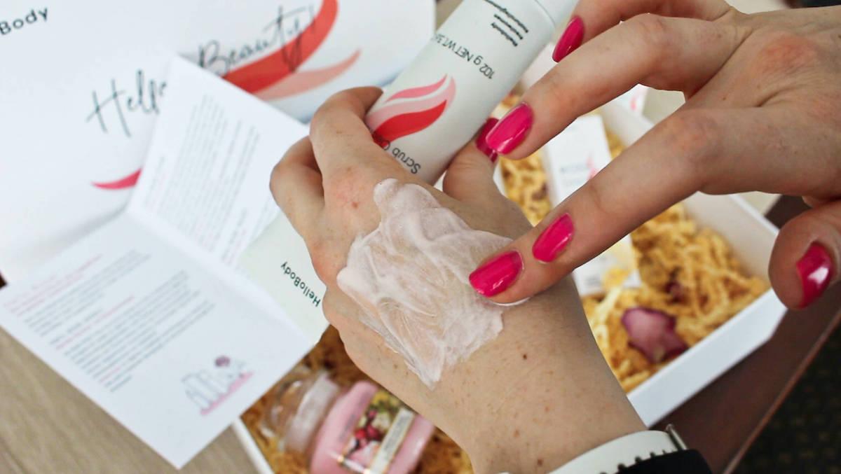 Hello Body Rose EFFECT Peeling Gesichtscreme Anwendung Erfahrungen beautycatze