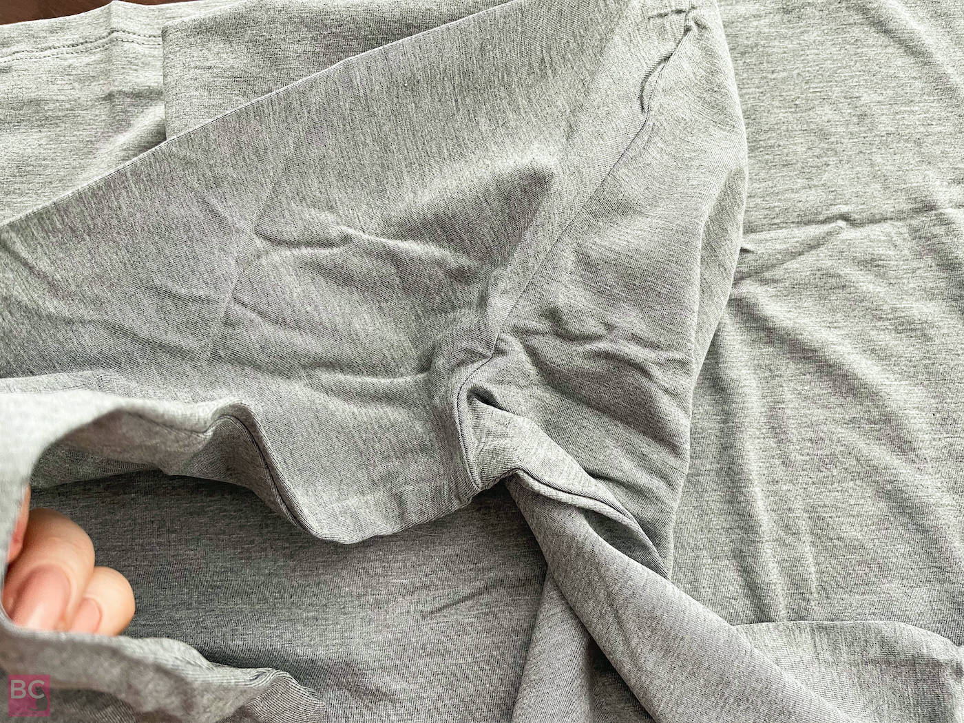 The Mia Shirt Les Lunes Erfahrungen Details Ärmel Achsel Nähte verarbeitet frisch ausgepackt