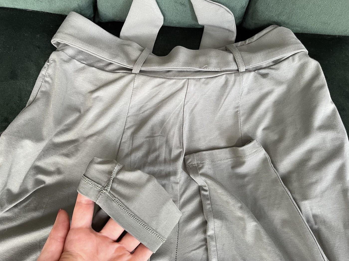 The Jade Pants Les Lunes Erfahrungen Bein Saum Nähte Qualität Nahansicht