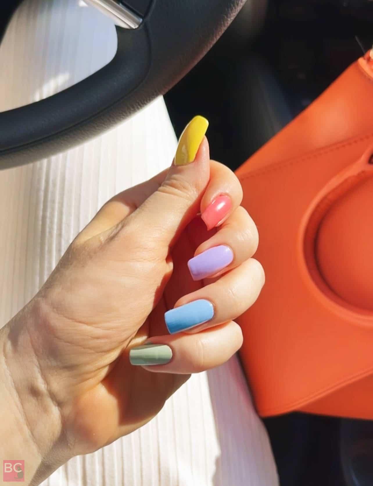 Regenbogen Gitti Nagellack Rainbow Farben Nägel lackieren