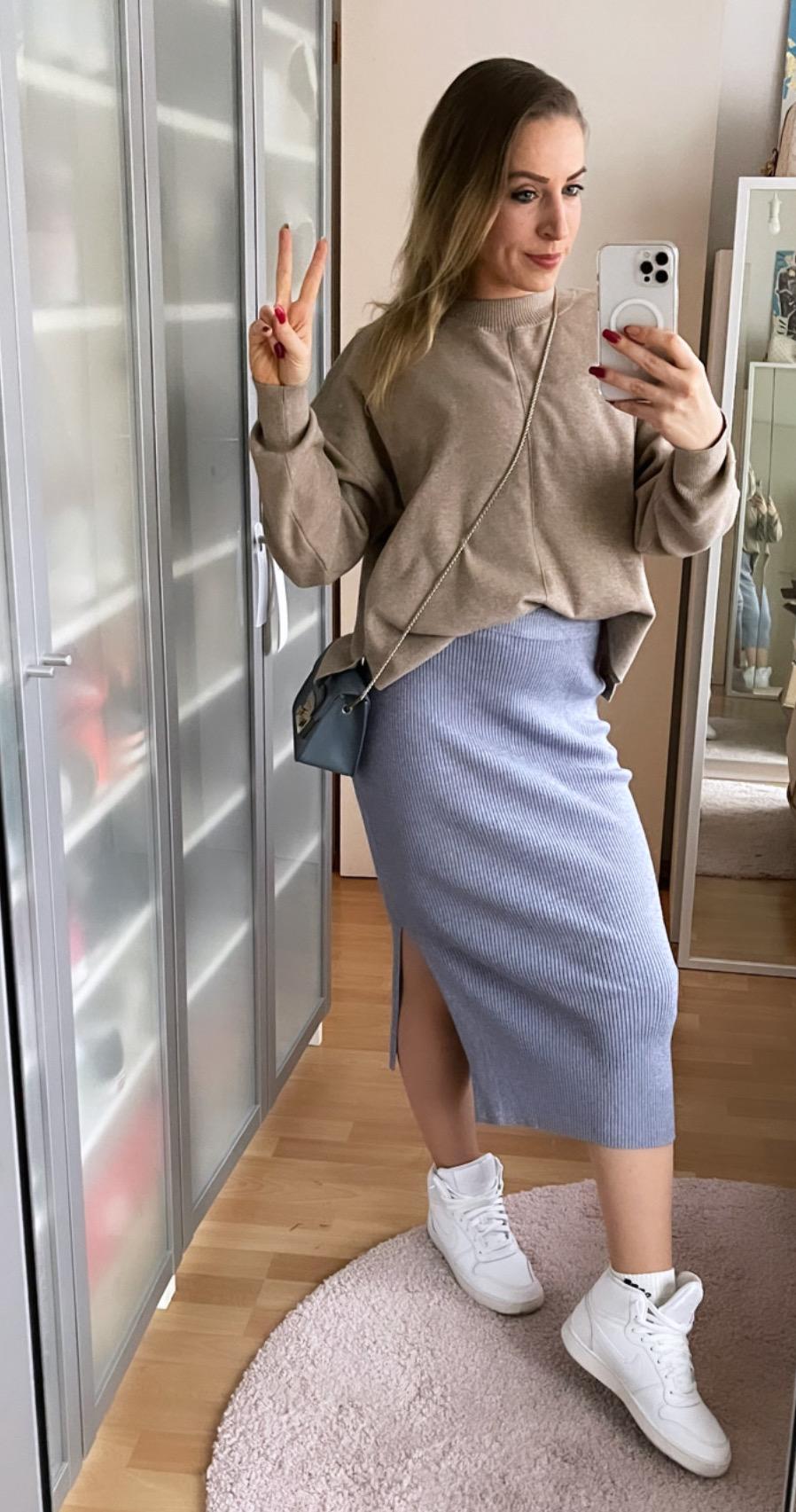 Erfahrungen LES LUNES Rosie Skirt und Nola Sweater blau beige sportlicher Style Kopie